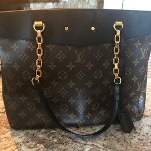 Louis Vuitton Shopping Pallas Monogram Black Tote
